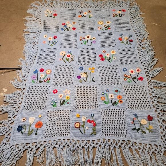 Vtg Folk Art Crocheted Afghan